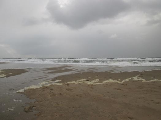 De woeste noordzee op de stormachtige dag