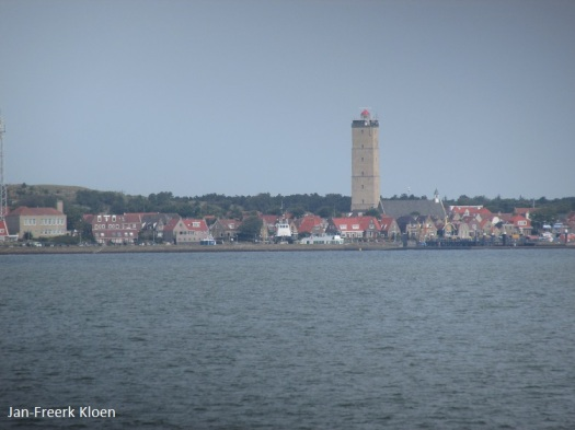 West-Terschelling met de Brandaris gefotografeerd vanaf de boot