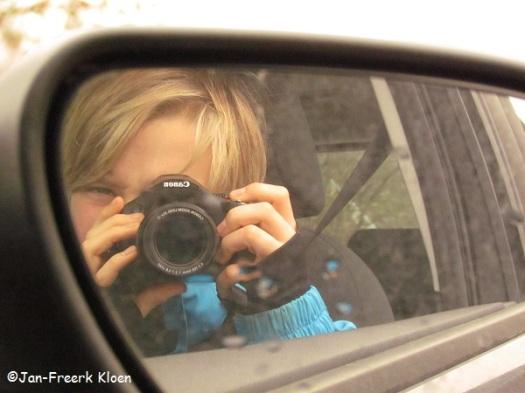 Even proberen in de autospiegel